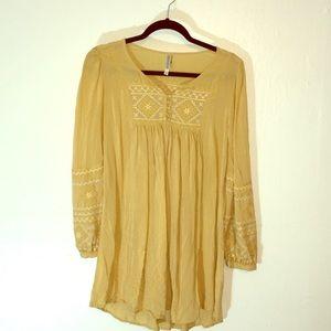 Monoreno Women's Yellow Crocheted Tunic Size S